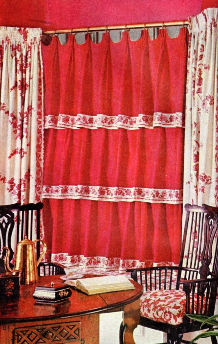 Red window coverings from 1959