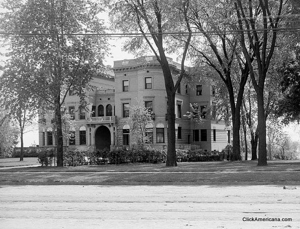 Residence of Dr. T.A. McGraw, Detroit, Mich