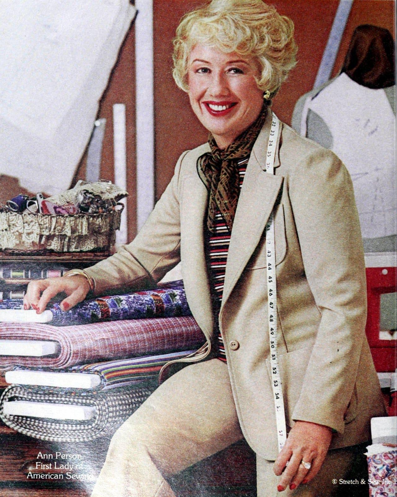 Retro 1970s suits for women (1976)