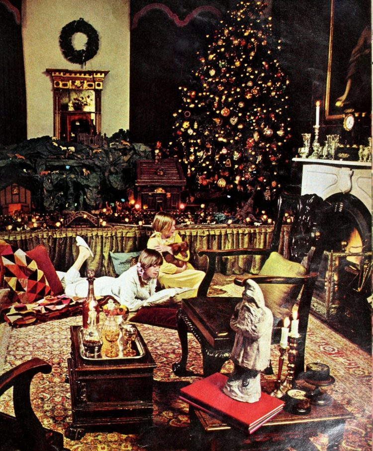 Retro '70s Christmas trees (3)