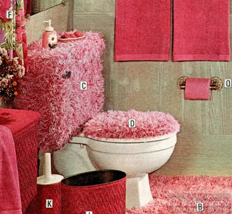 Silly shag in bright pink for the vintage bathroom of the '70s