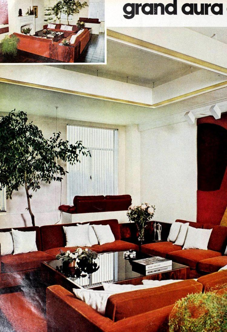 Retro 70s three-sided sofa nook