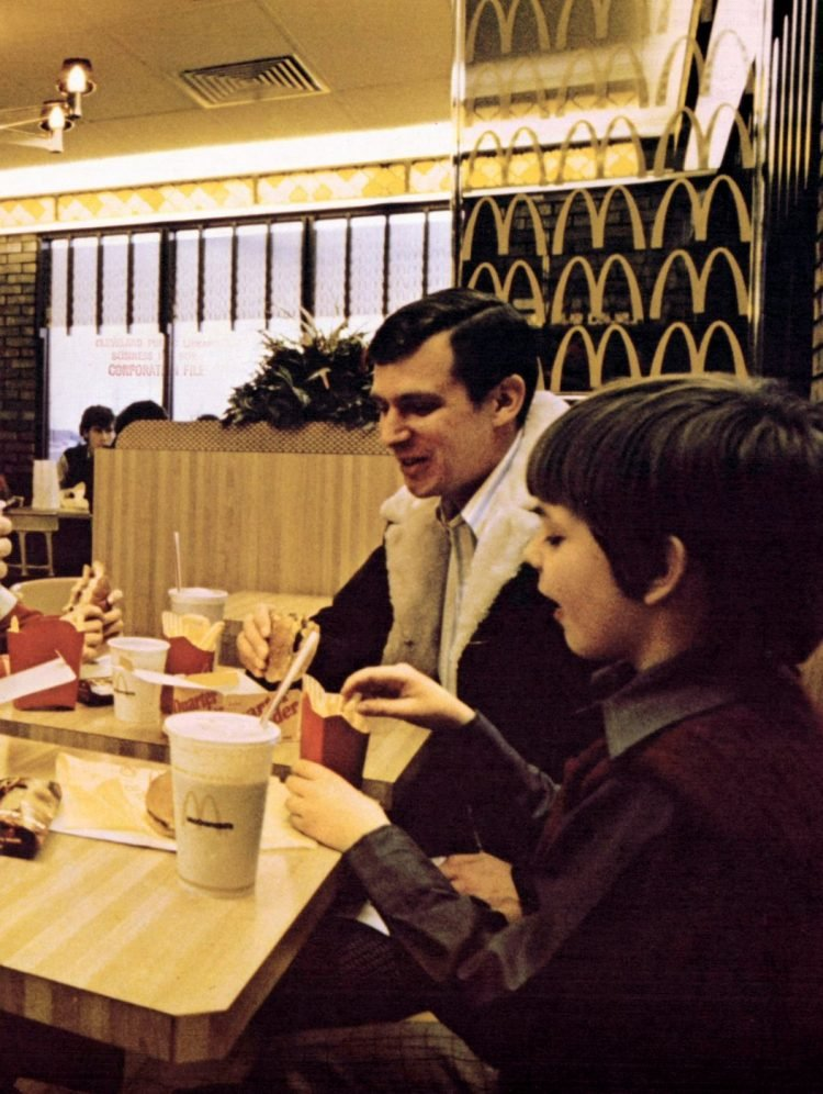 Retro McDonalds stores in the 70s (2)