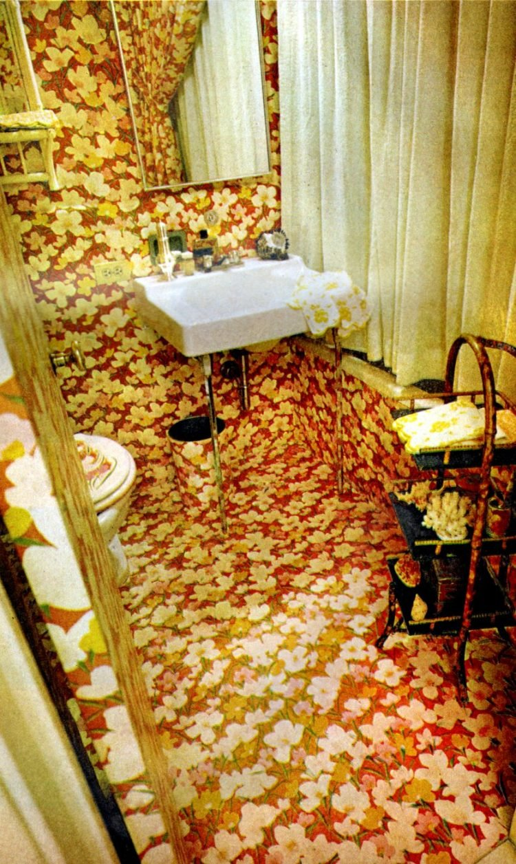 Retro bathroom decor from May 1968 (1)