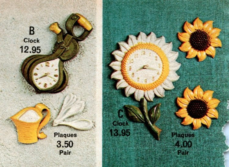 Retro kitchen clocks in shapes from the seventies