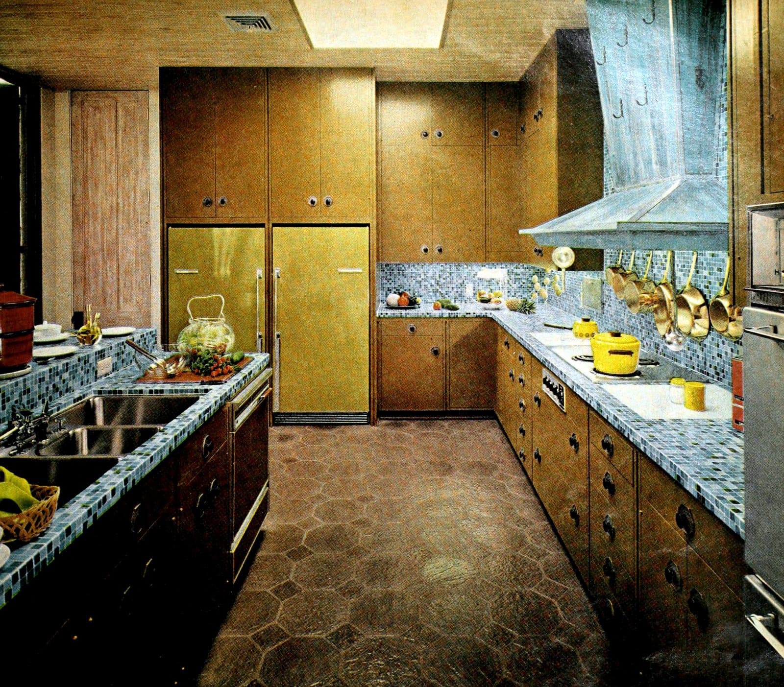 Retro sixties blue mosaic counterops and backsplash (1967)