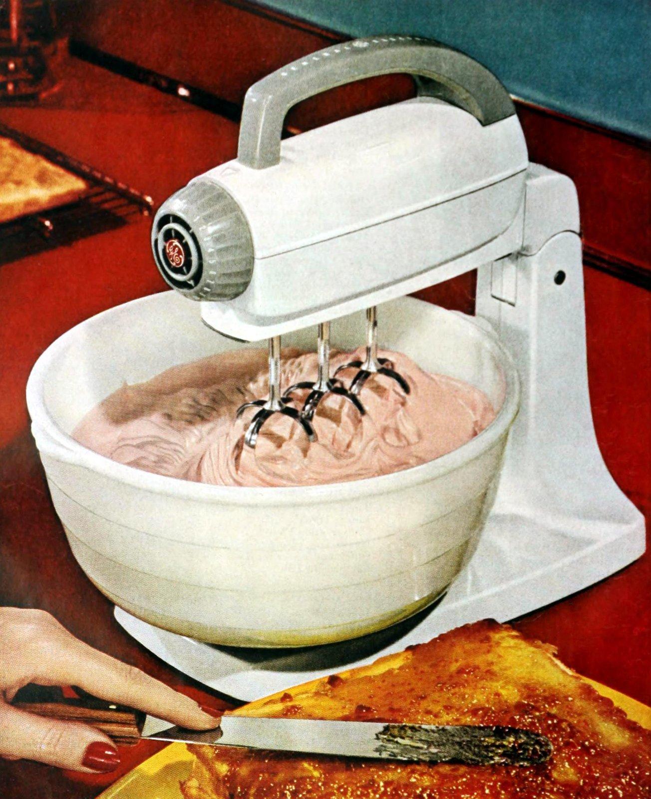 Retro table mixer in white