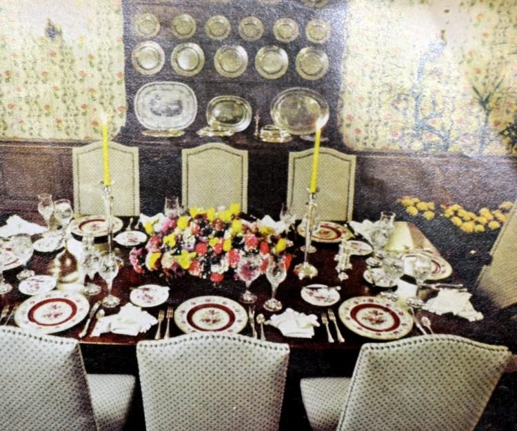 Retro table settings from 1977 (3)