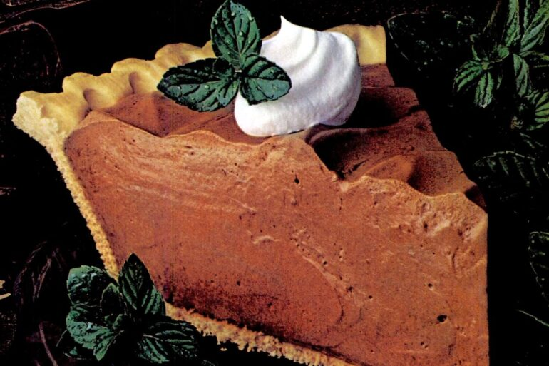 Rich and creamy chocolate mint pie recipe - 1985