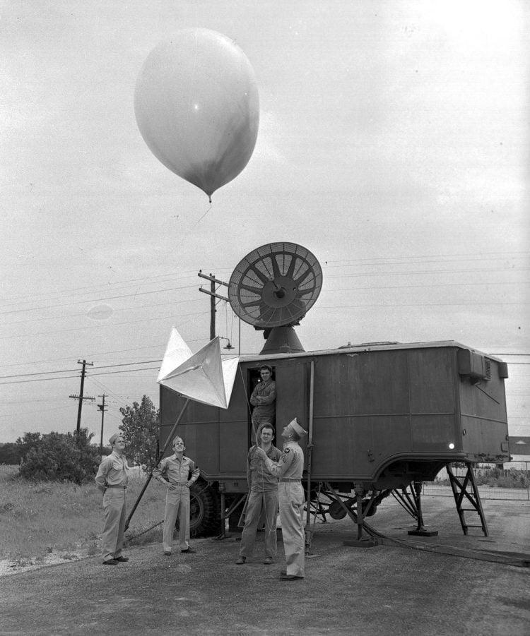 AR406-6 07/11/1947 #2027-1
