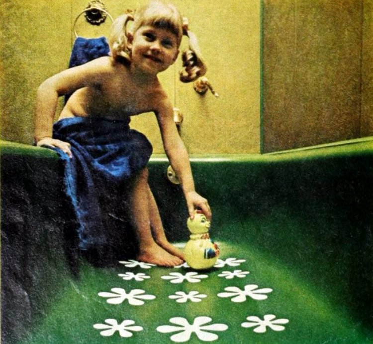 Rubbermaid flower non-slip bathtub stickers from 1969