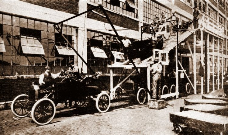 See Ford assembly lines mass-producing Model T cars