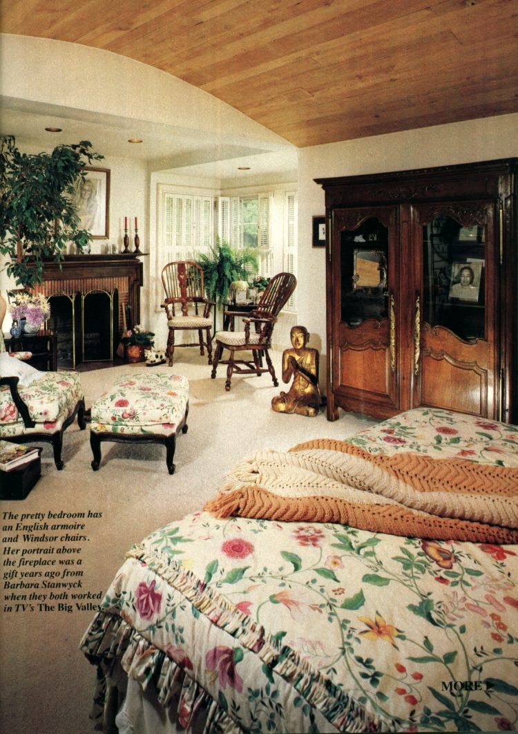 See inside Dynasty actress Linda Evans' Beverly Hills home 1982 (4)