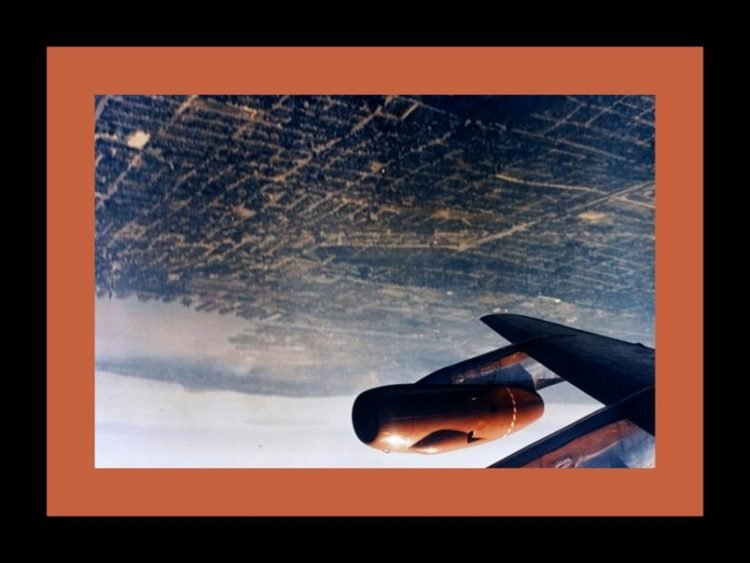 See that time a pilot took up Boeing 707 jet & did a double barrel roll in the sky