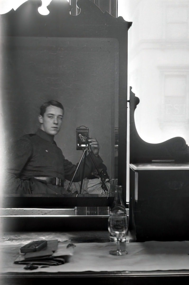 Self portrait of Australian military aviator Thomas Baker (c1917) at ClickAmericana com