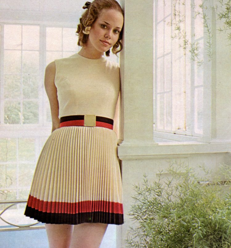 Seventeen mag fashion from the late 1960s