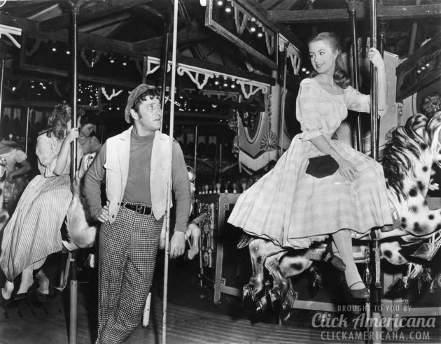 Shirley Jones with MacRae from Carousel 1956