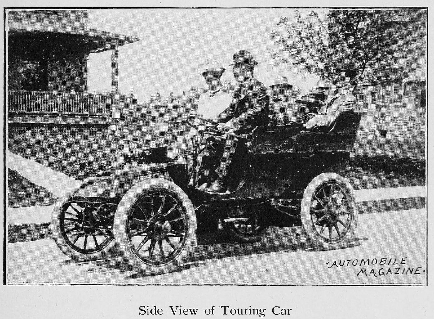 Side view of Touring car (1902)