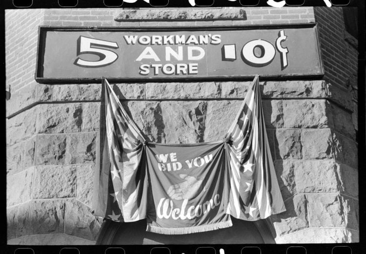 Sign and decoration on the Fourth of July, Vale, Oregon 1941