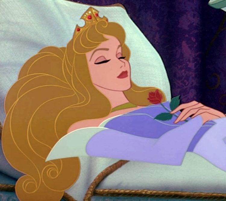 Sleeping Beauty - Aurora alseep