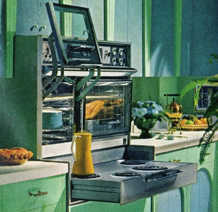 Slide up oven doors - Retro kitchens from 1965