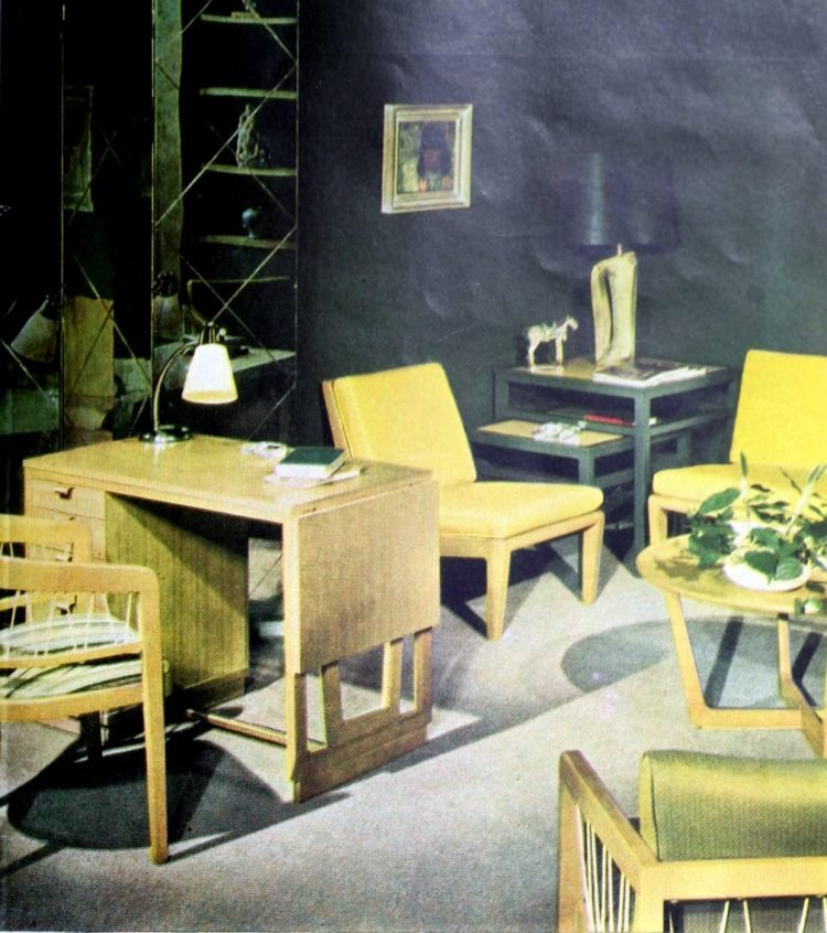 Small living room home decor from the 1940s (1)