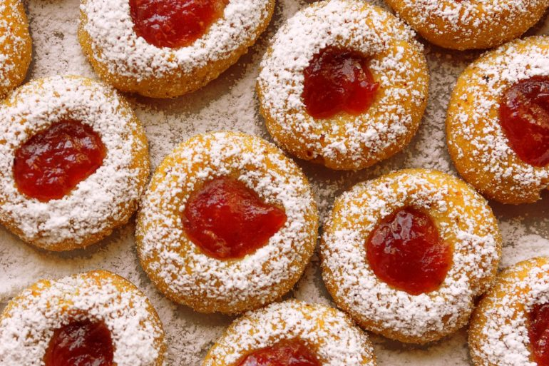 Snow-topped jam thumbprint cookie recipe (1990)