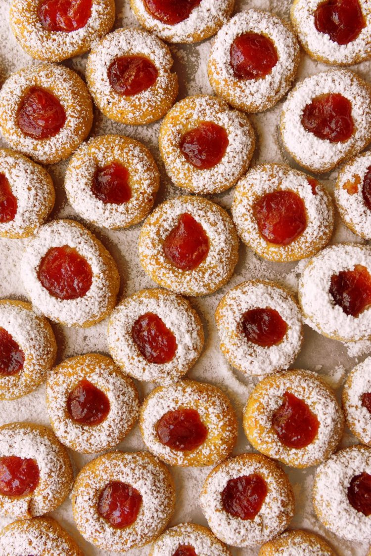 Snow-topped jam thumbprint cookies - Retro recipe
