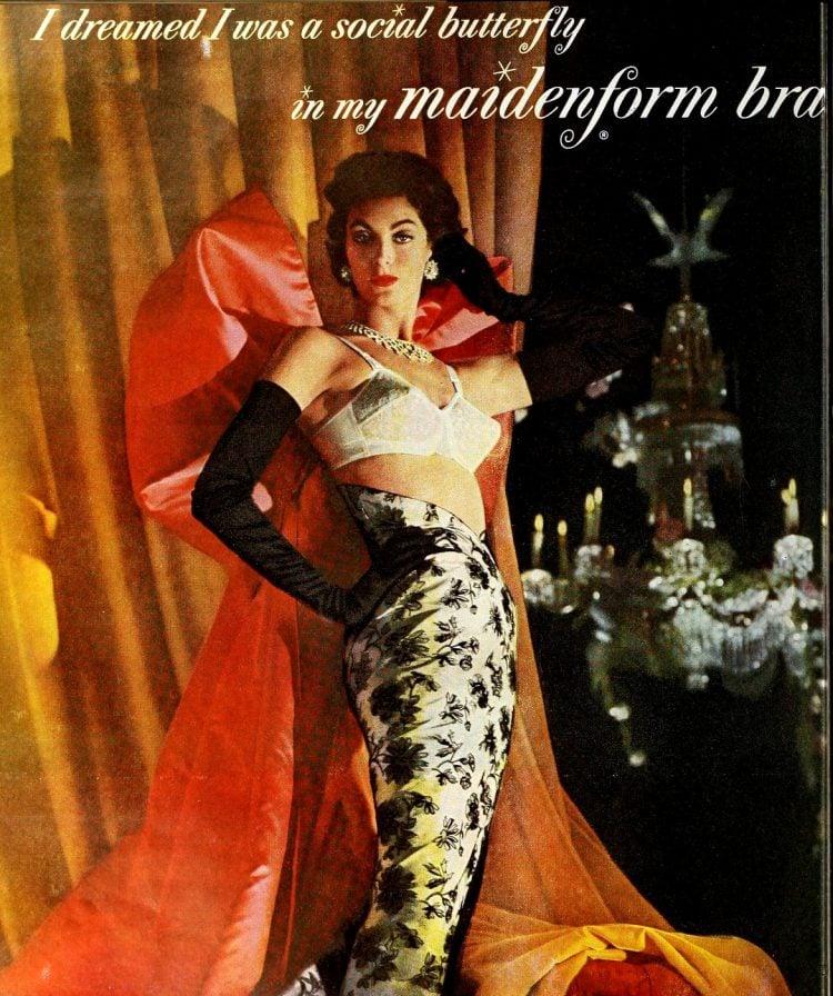 Social butterfly - Vintage Maidenform bras