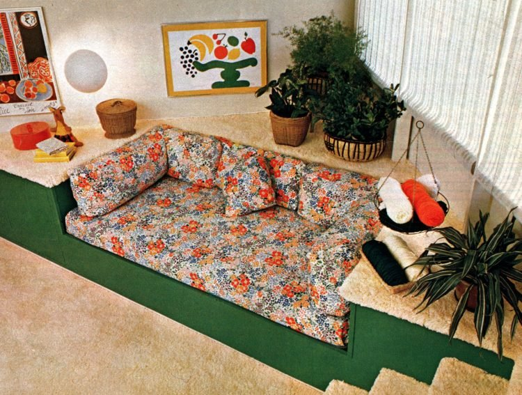 Split-level bedrooms - Vintage 70s decor (1)