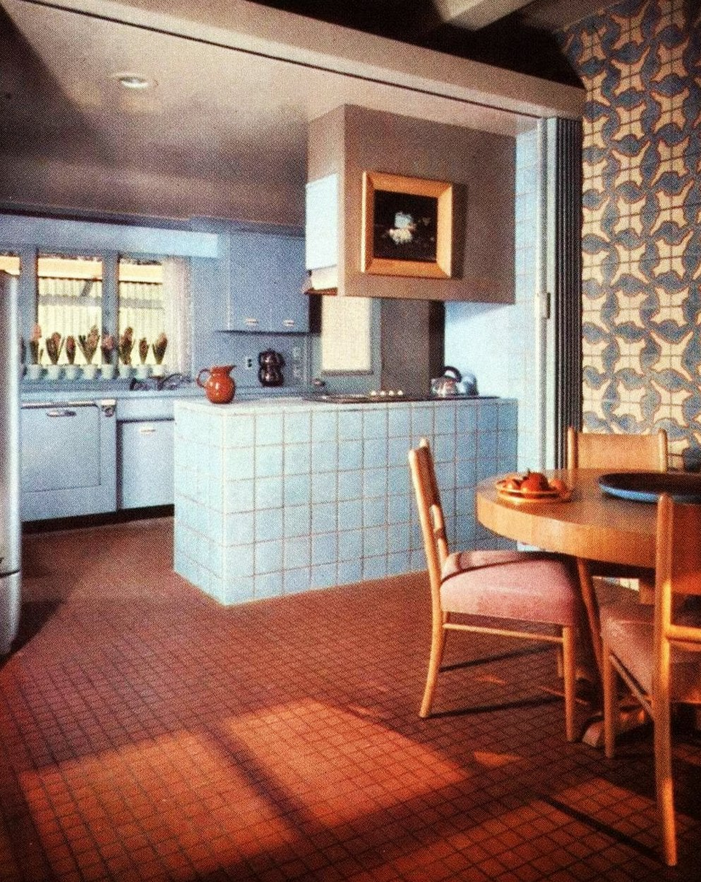 Square glazed ceramic tiles and quarry tiles for a retro kitchen