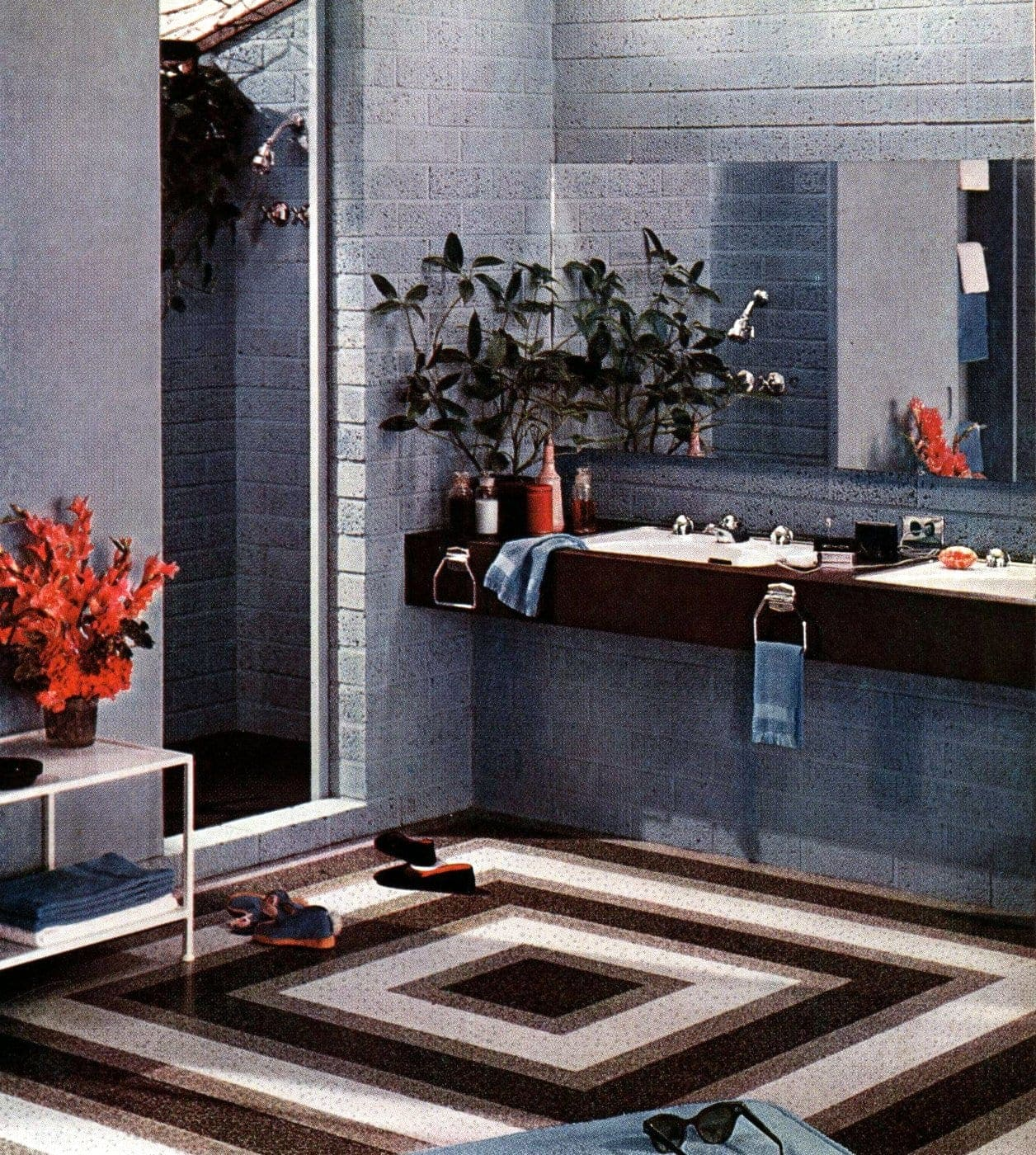 Square retro style bathroom flooring from the 1950s