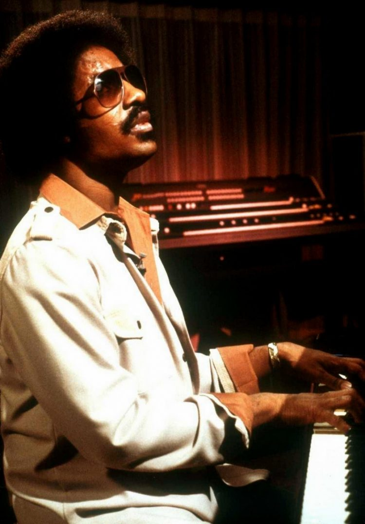Stevie Wonder on piano