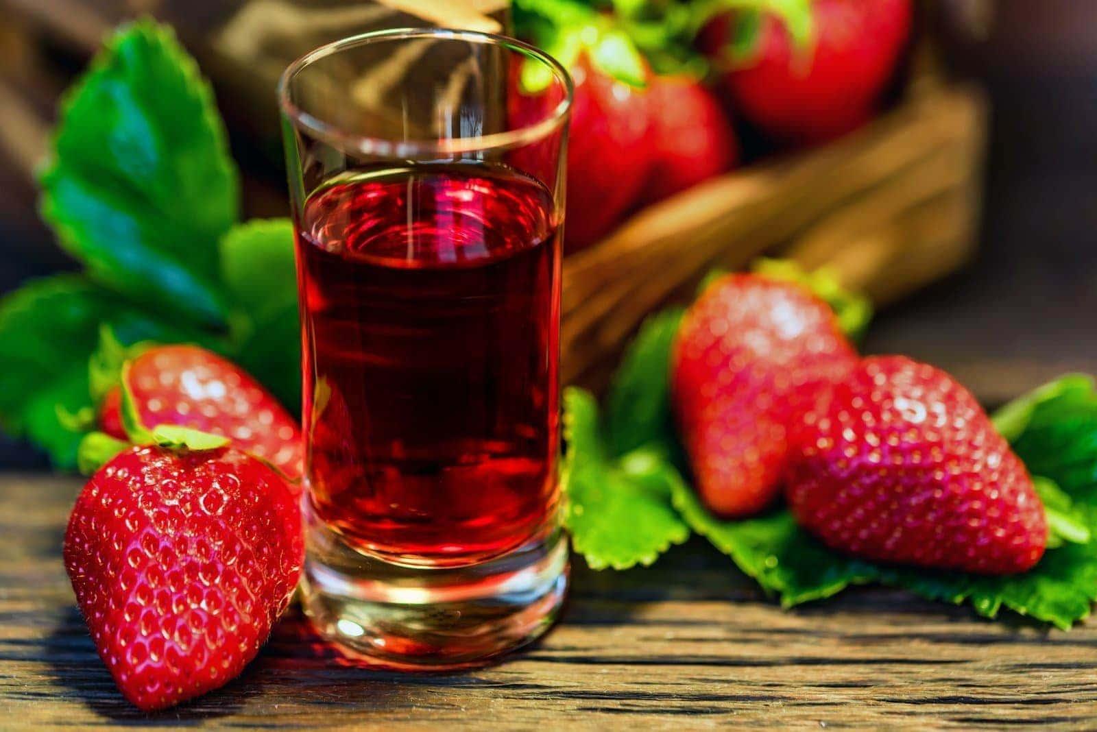16 Fruity Boozy Classic Cordial Liqueur Recipes Click Americana