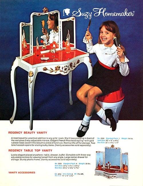 Suzy Homemaker Regency Beauty Vanity vintage toy