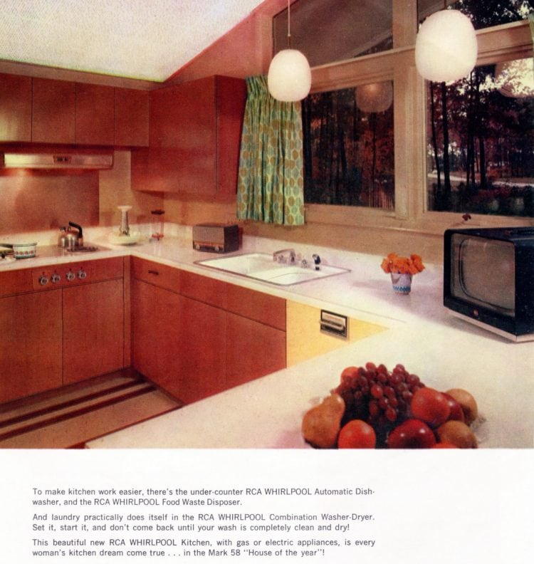 Take a look around this mid-century modern model home from 1958 Scholz Mark 58 Home of the Year (4)