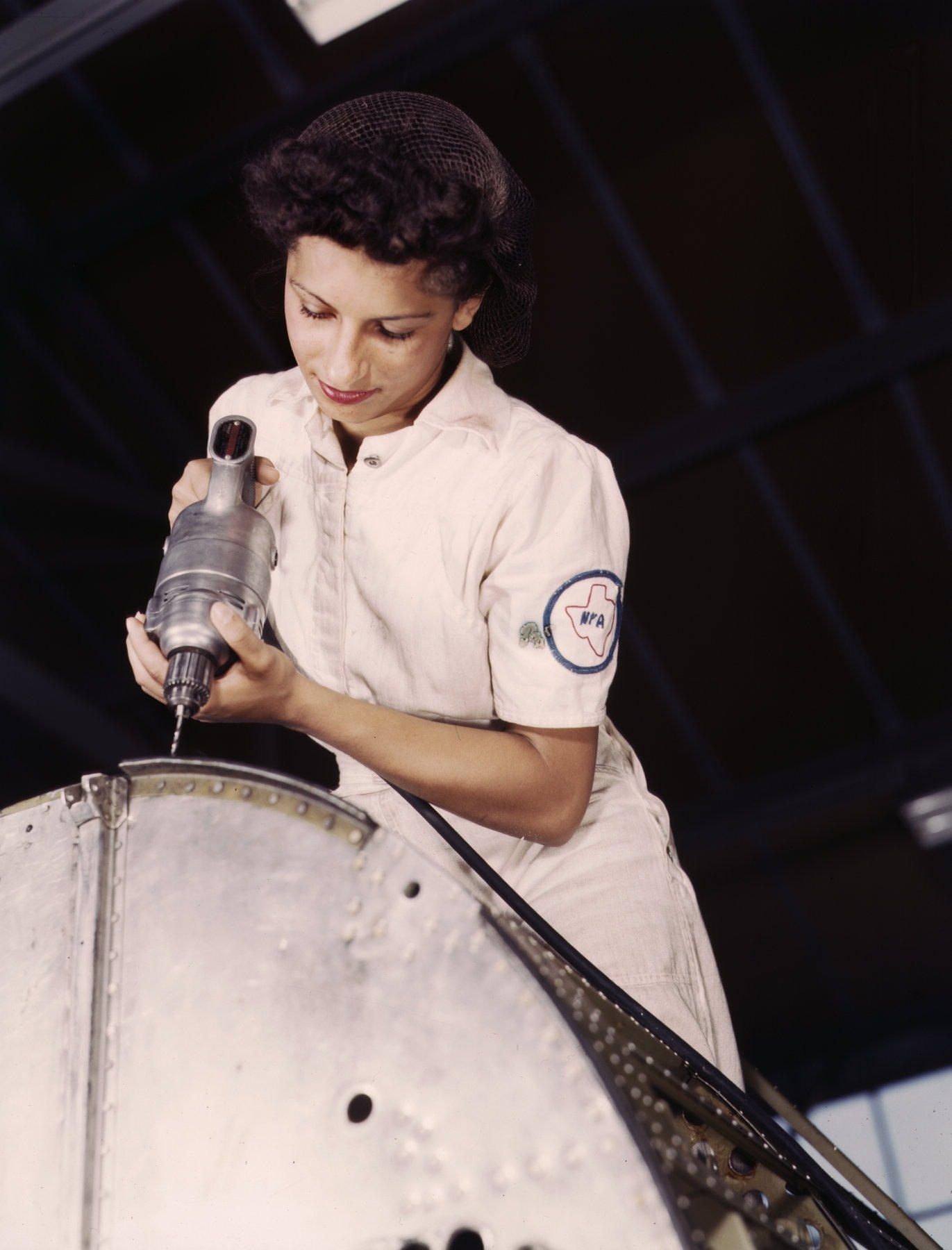 Texas WWII mechanic-in-training