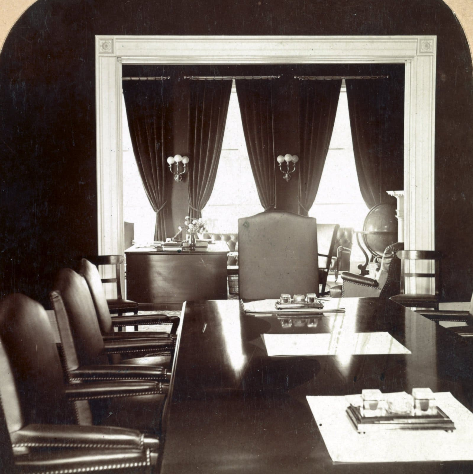 The Cabinet Chamber at the White House (1903)