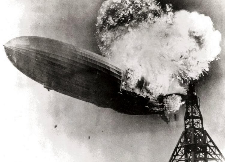 The Hindenburg burning - 1937 (2)