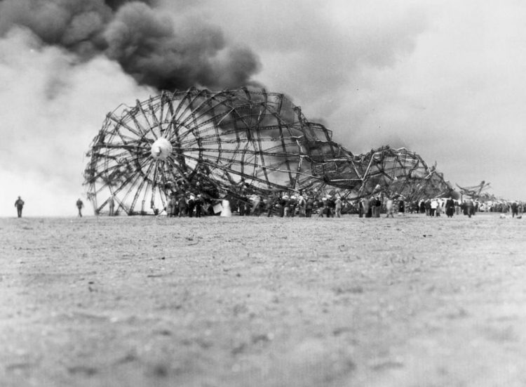 The Hindenburg burning - 1937 (3)