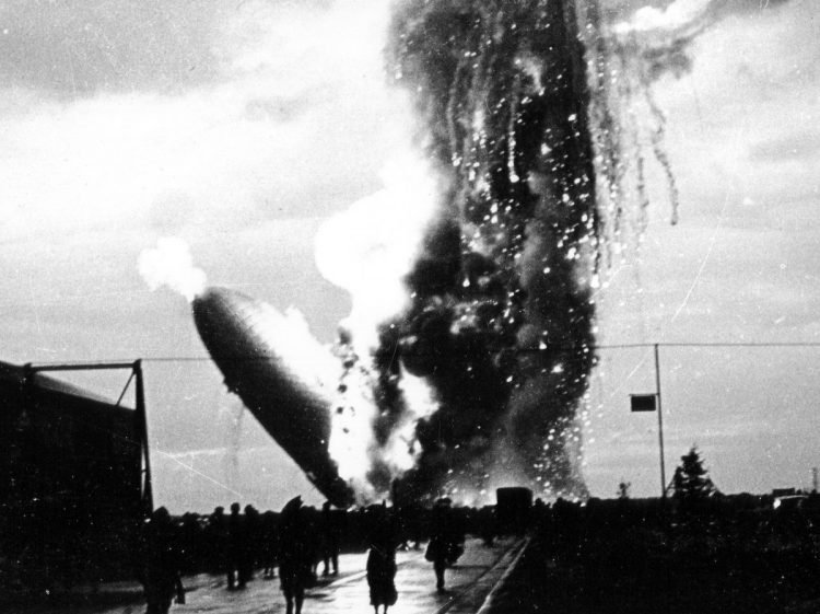The Hindenburg burning - 1937 (4)