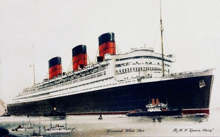 The HMS Queen Mary - Cunard White Star ship - Vintage postcard