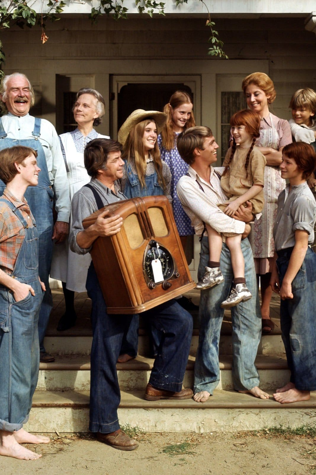 The WaltonsThe Waltons family on the front porch
