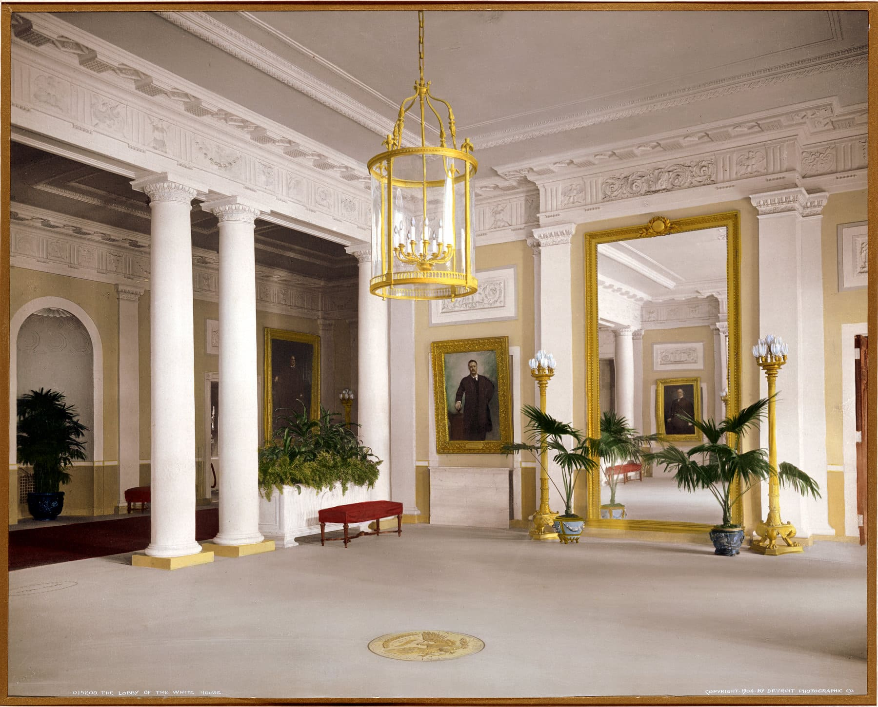 The lobby of the White House (1904) - Click Americana