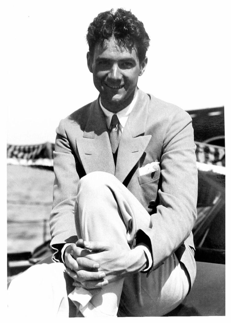 The real Howard Hughes - young