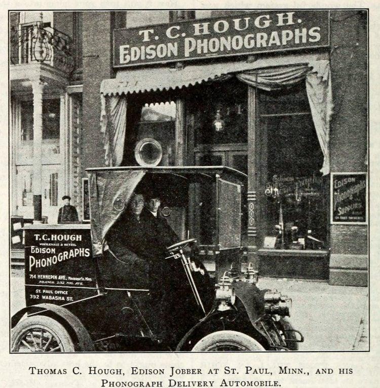 Thomas Edison and the phonograph c1907 (2)
