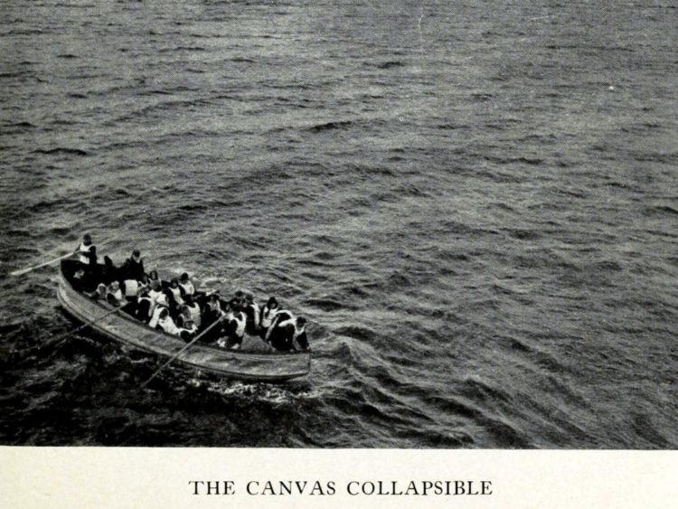 Titanic rescue from 1912 - Canvas collapsible lifeboat