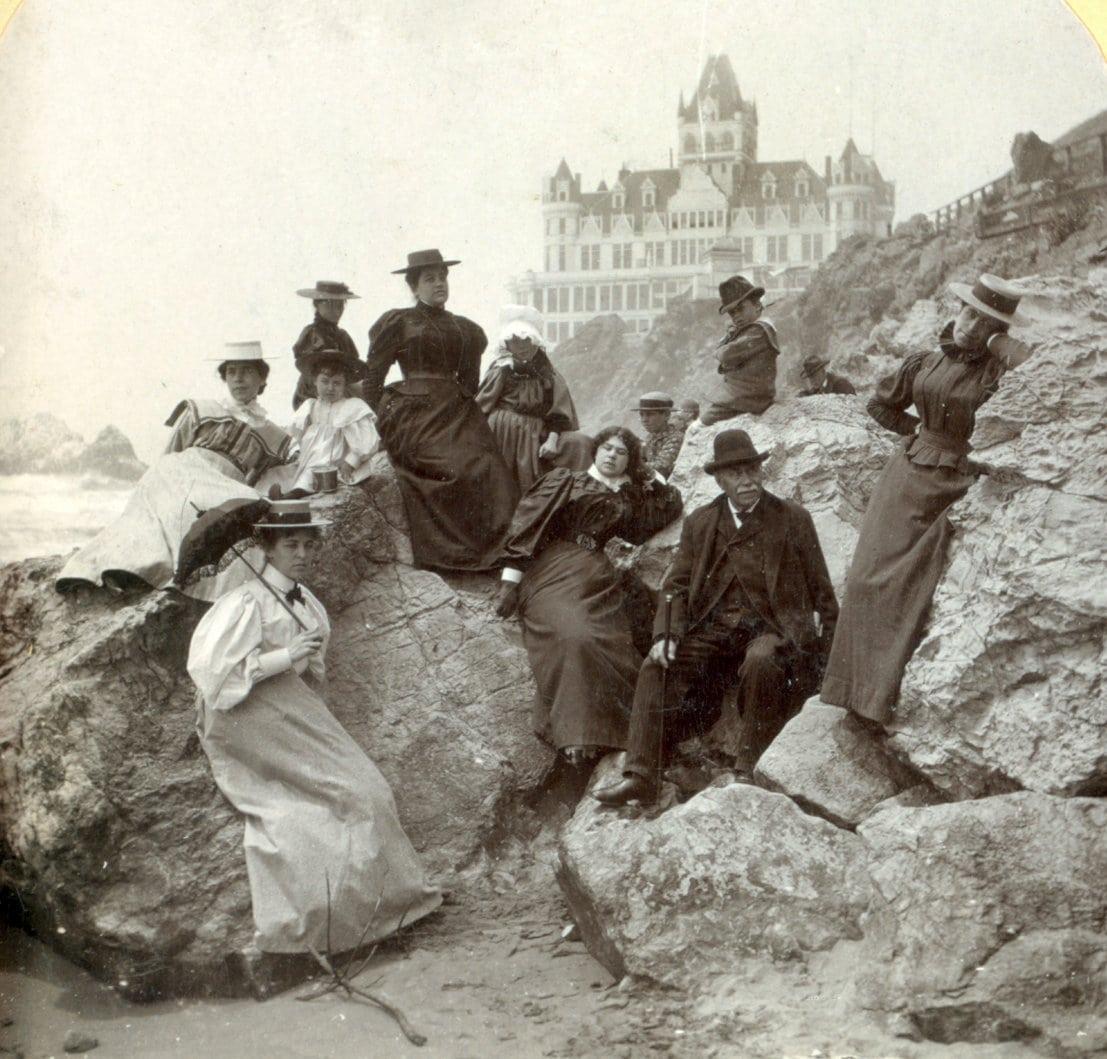 Tourists at Ocean Beach (1897)