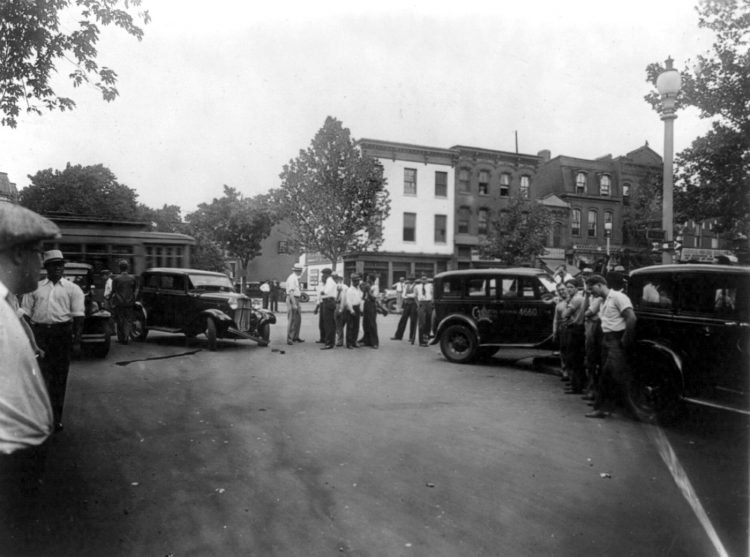 Traffic accident at 14th and Q Streets, N.W., Washington, D.C. 1920