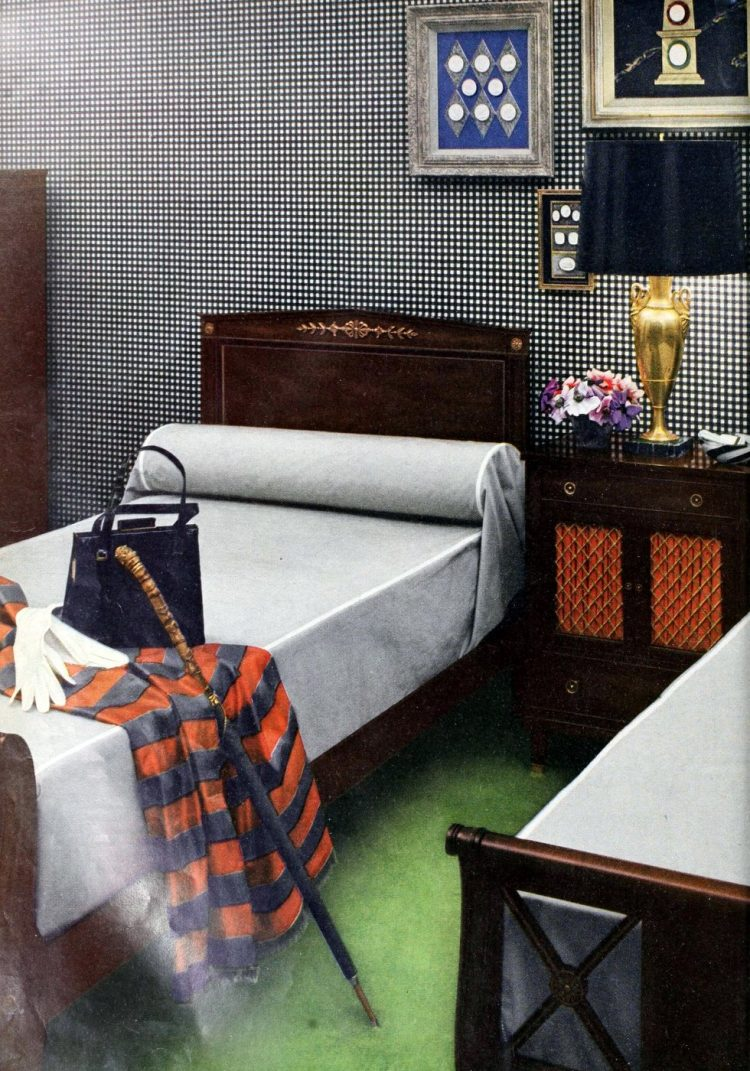 Two single beds for married couples from the 1950s (7)